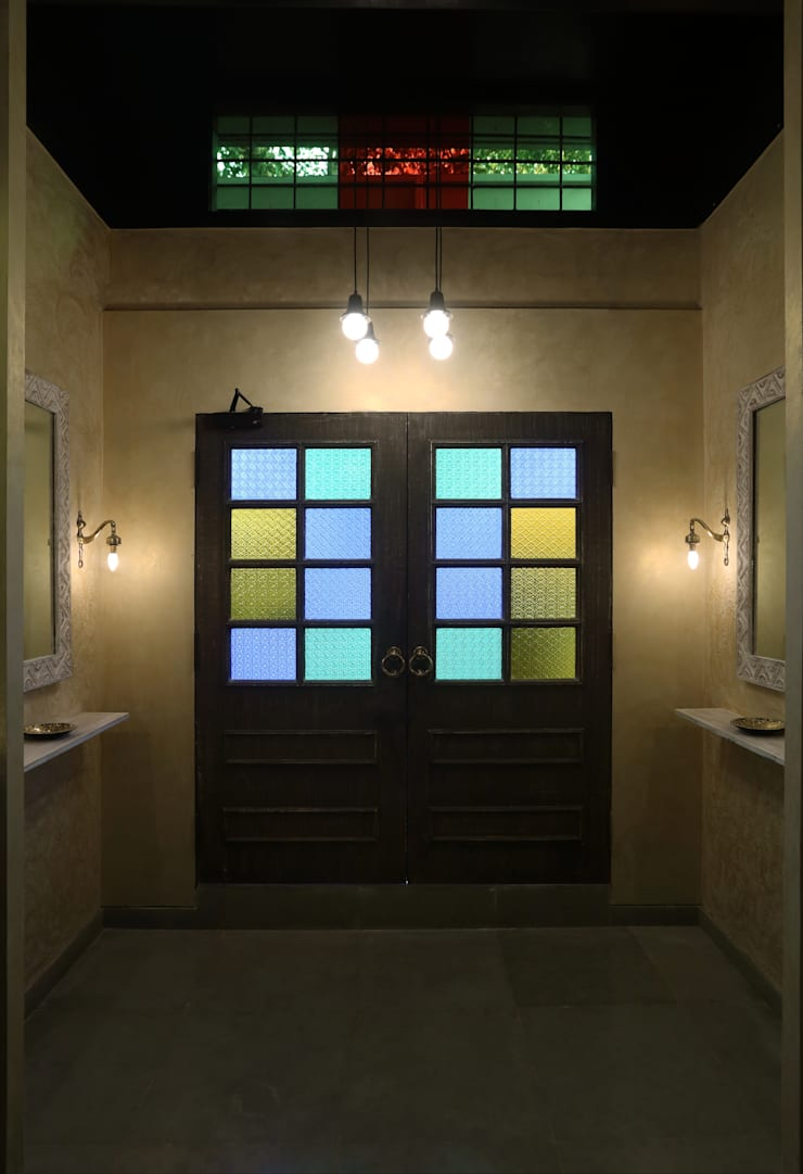 Commercial—Dadar:  Commercial Spaces by Nitido Interior design