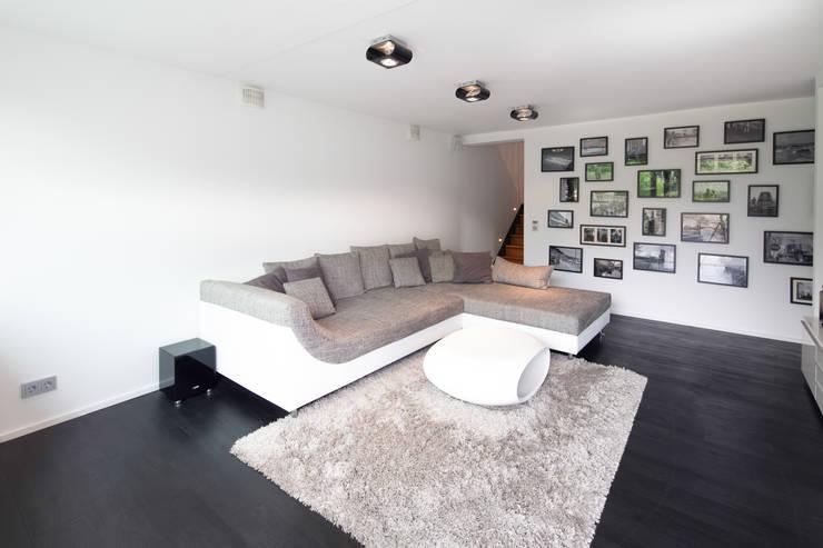 Projekty,  Salon zaprojektowane przez Schiller Architektur BDA