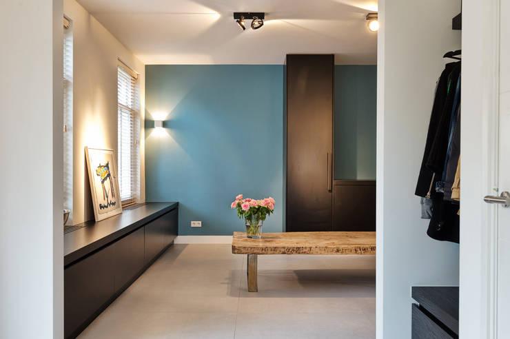 modern Kitchen by Jolanda Knook interieurvormgeving