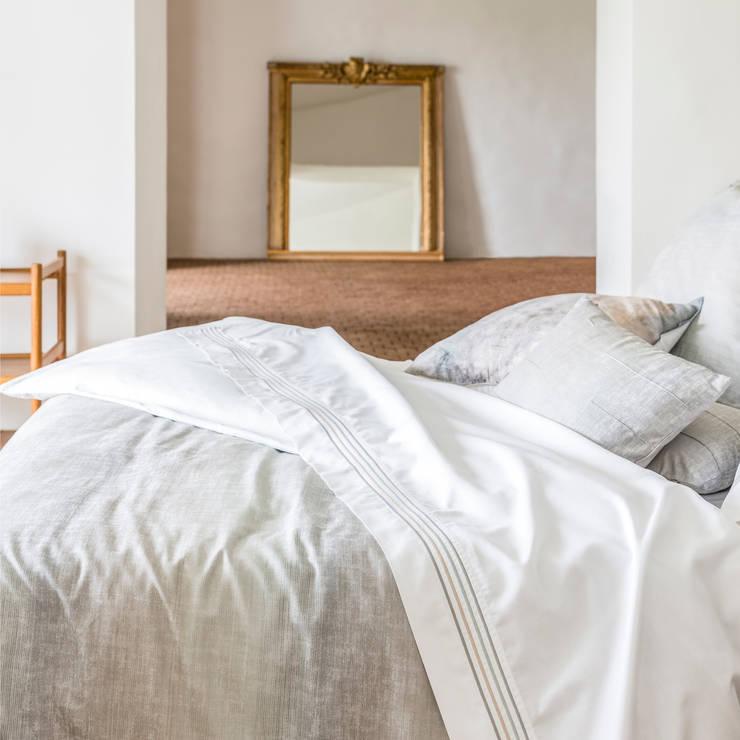 Grey Bay - Roupa de cama 100% algodão Egipto penteado: Quarto  por Home Concept