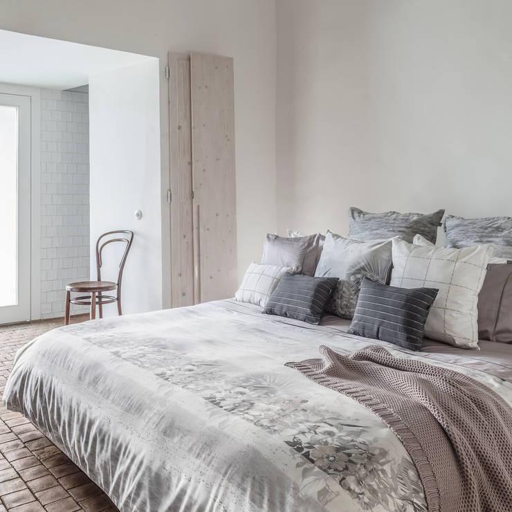 Venice - Roupa de cama 100% algodão Egipto penteado / Almofadas Decorativas: Quarto  por Home Concept