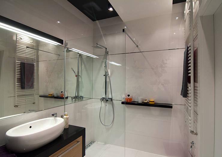 Projekt wnętrz mieszkania w budynku wielorodzinnym: styl , w kategorii Łazienka zaprojektowany przez AP2 Architekci