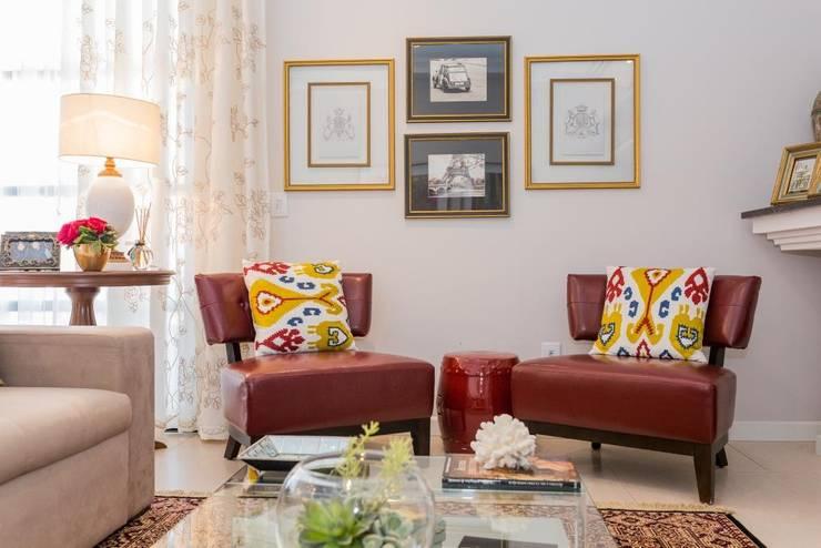 غرفة المعيشة تنفيذ Marcelo Lopes Arquitetura