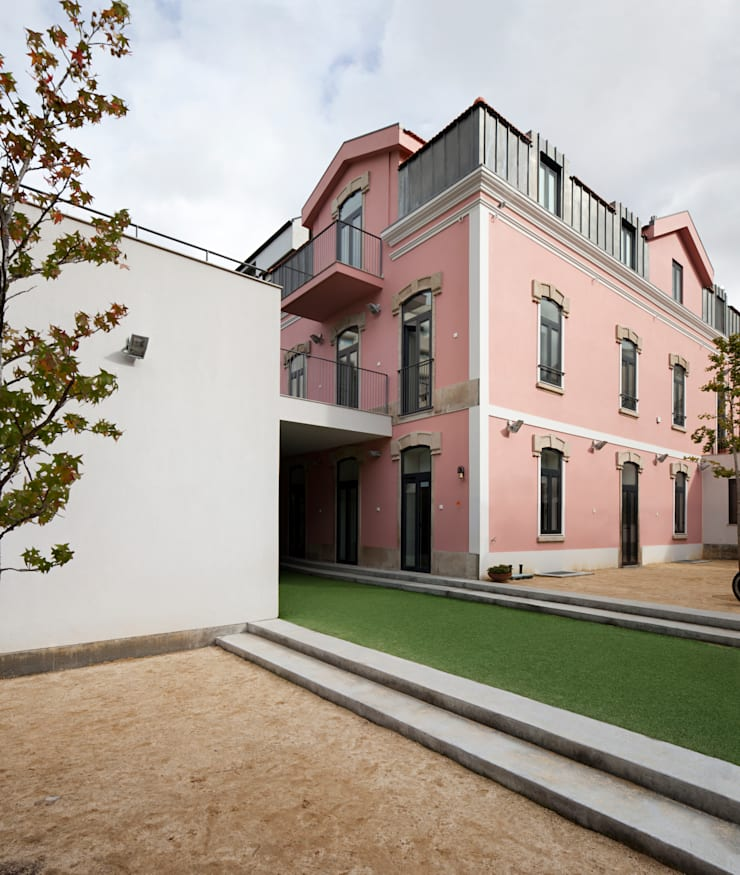 ​Kindergarten and Nursery: Casas  por es1arq
