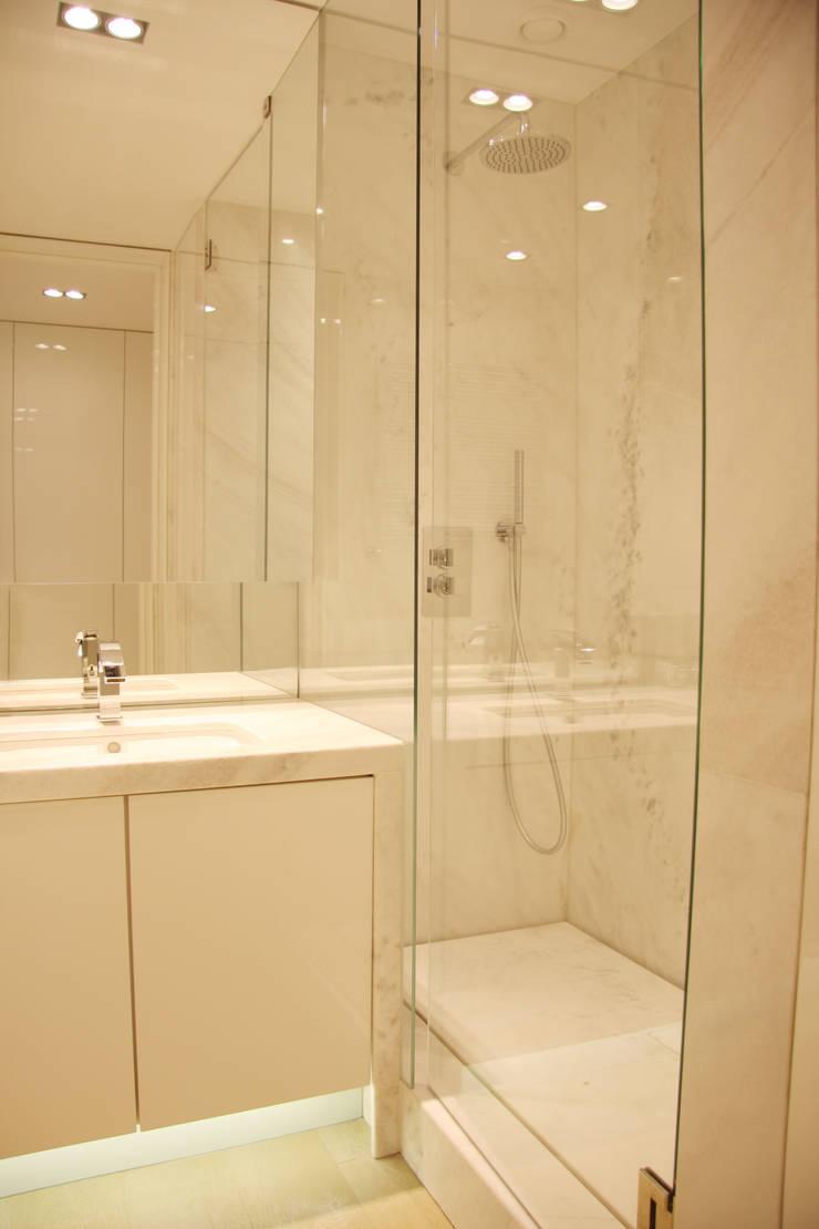 Casa de banho: Casas de banho  por GRAU.ZERO Arquitectura