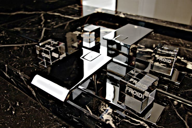 Casa de banho de serviço - Pormenor: Casas de banho  por GRAU.ZERO Arquitectura