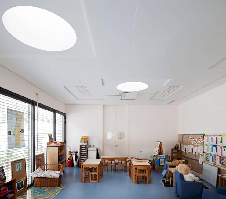Kindergarten and Nursery : Quartos de criança  por es1arq