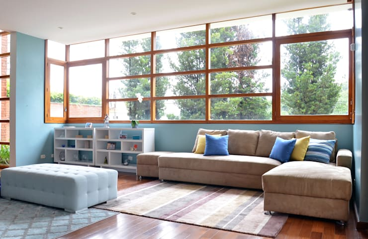 Living room by Mmaverick Arquitetura