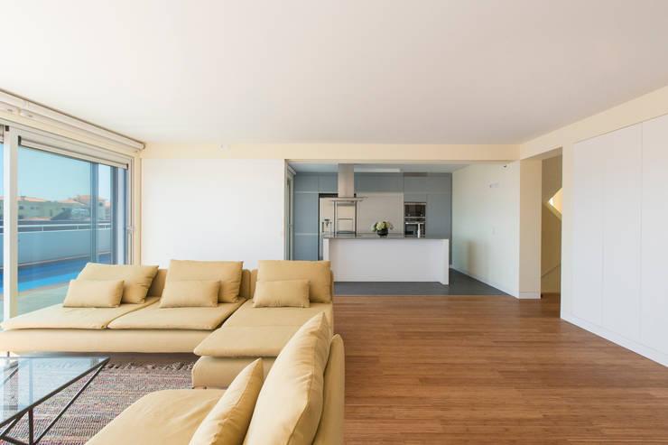 modern Living room by Studio Dois