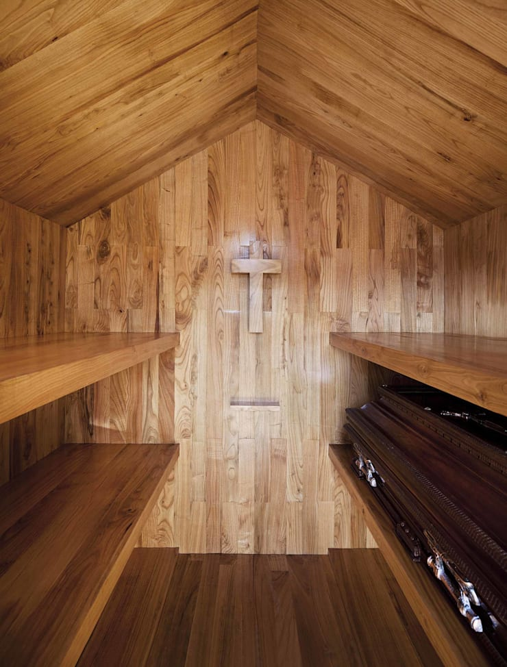 Chapel: Corredores e halls de entrada  por es1arq