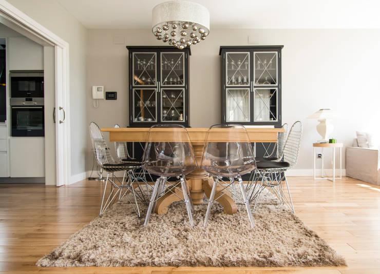 Salle à manger de style de style Moderne par MODULAR HOME
