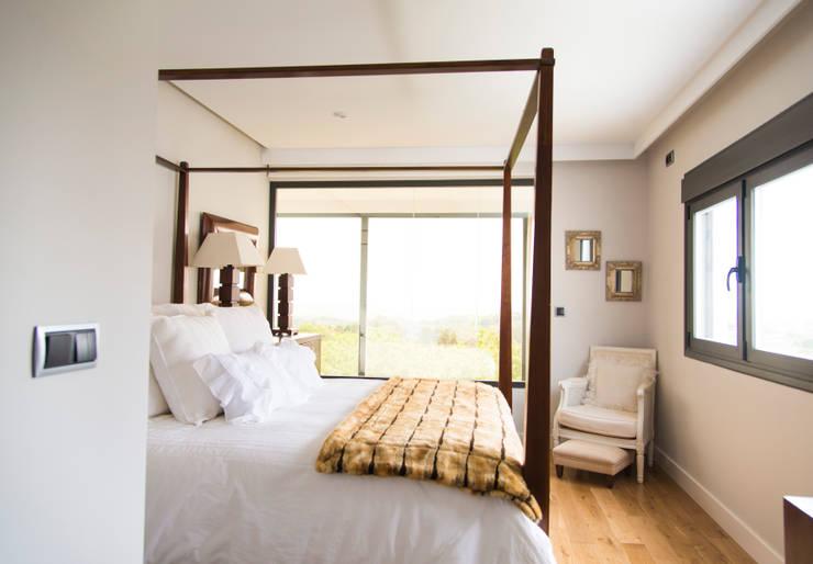 Chambre de style de style Moderne par MODULAR HOME