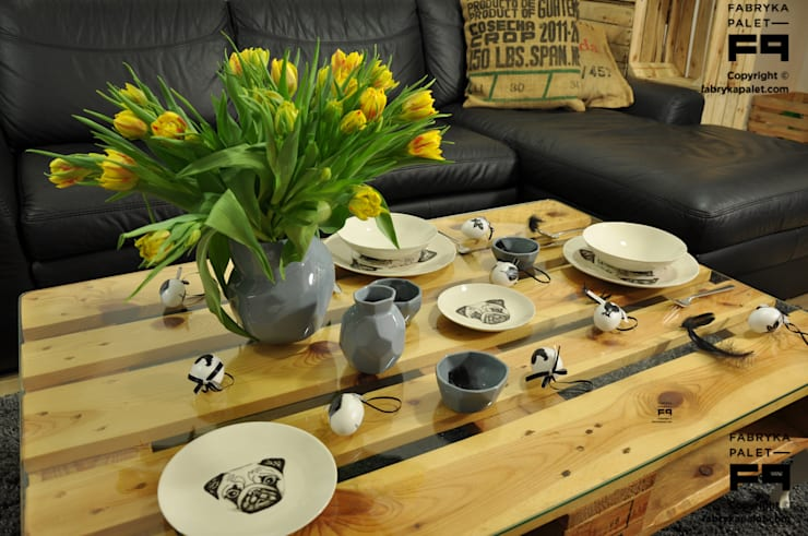 Wielkanoc na palecie: styl , w kategorii  zaprojektowany przez Fabryka Palet,Skandynawski Drewno O efekcie drewna