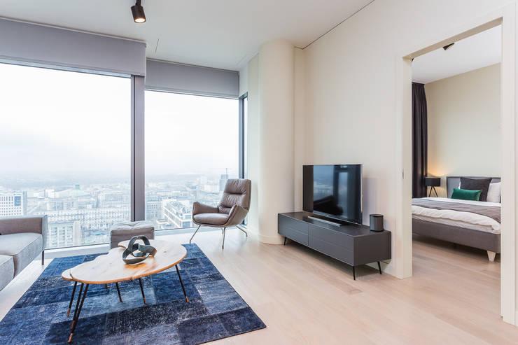 moderne Wohnzimmer von Michał Młynarczyk Fotograf Wnętrz