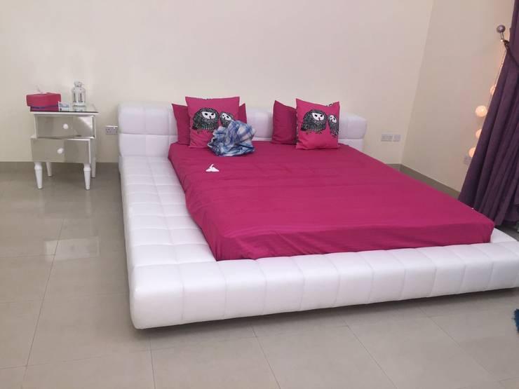 Villa Interiors Muscat: modern Bedroom by KamalKavitaInteriors