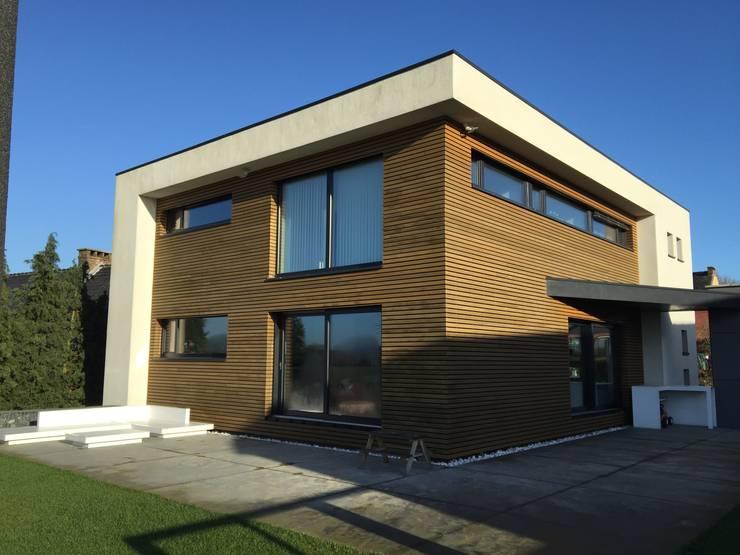 Façades SE et SO: Maisons de style de style Moderne par Bureau d'Architectes Desmedt Purnelle