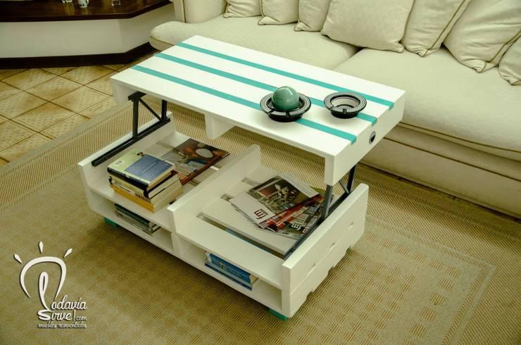 Mesas: Livings de estilo  por Equilibra,