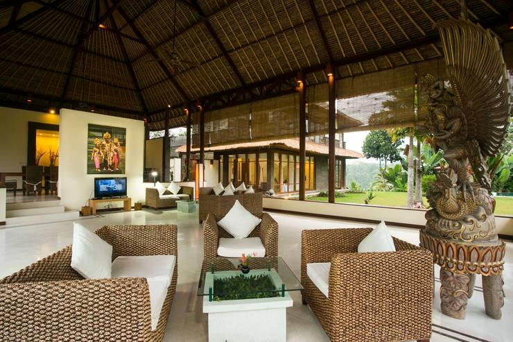 asian Living room by Buseck Architekten
