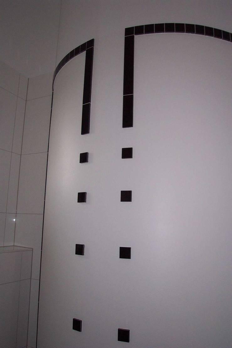 Classic style bathroom by Buseck Architekten Classic