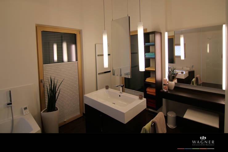 Salle de bains de style  par Wagner Möbel Manufaktur