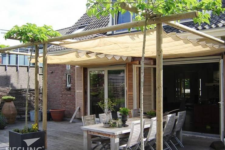 coole Beschattungssysteme:  Terrasse von Bambuskontor