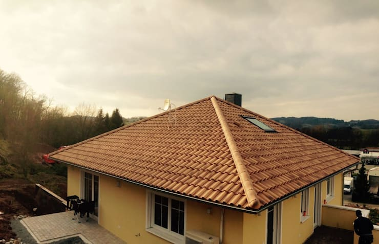 Maisons de style de style Classique par Froese Dach