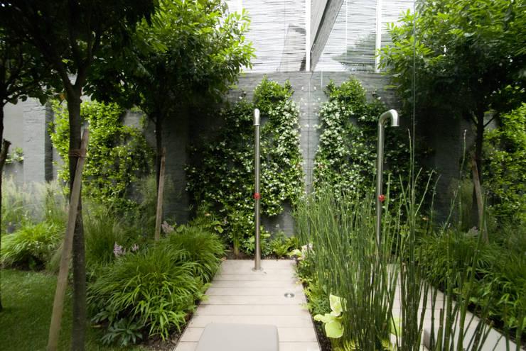 Jardines de estilo  por SDC-Milano