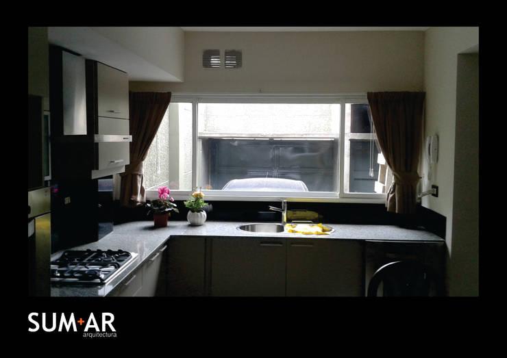 Remodelación Vivienda P:  de estilo  por SUM+AR arquitectura