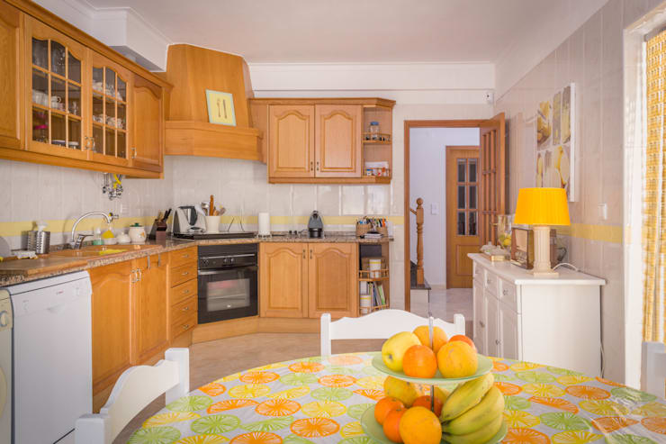 ห้องครัว by Pedro Brás - Fotógrafo de Interiores e Arquitectura | Hotelaria | Alojamento Local | Imobiliárias