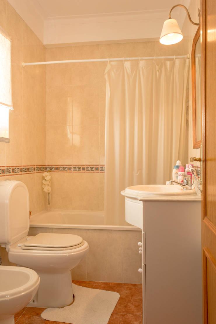 WC Suite: Casas de banho  por Pedro Brás - Fotógrafo de Interiores e Arquitectura | Hotelaria | Alojamento Local | Imobiliárias