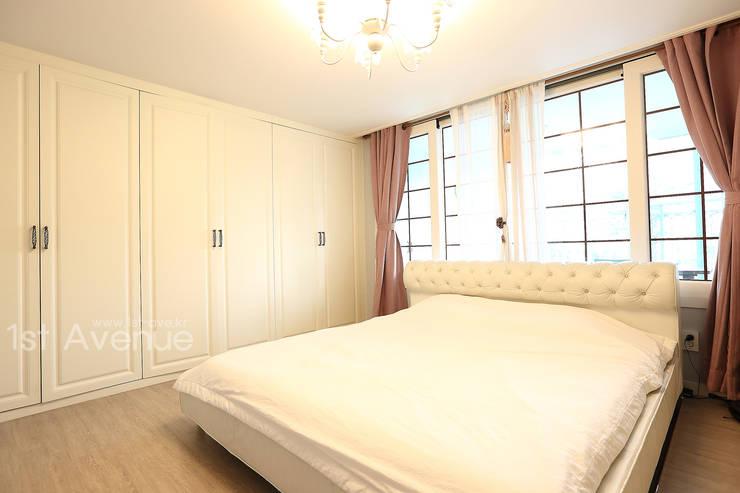 톡쏘는 청량감이 있는 안산 푸르지오: 퍼스트애비뉴의  침실