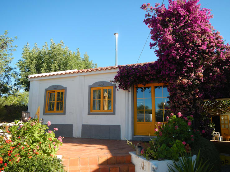 Maisons de style  par RenoBuild Algarve