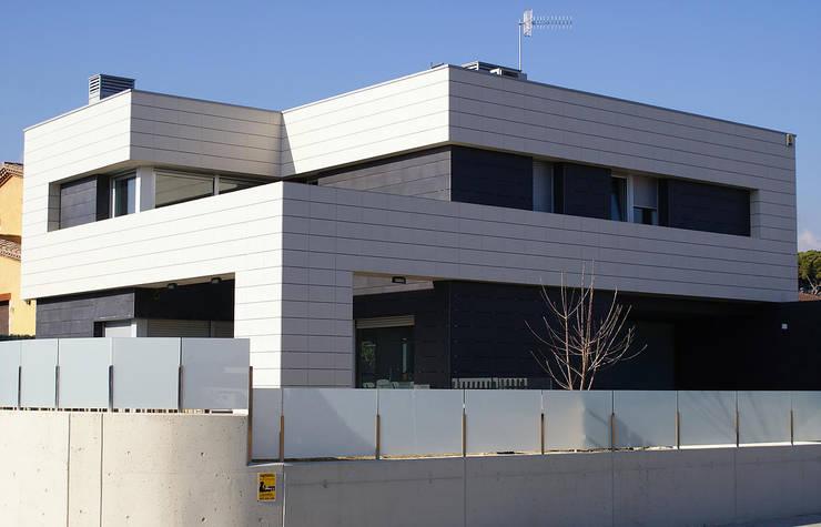 Casa R: Casas de estilo  de DDV Arquitectura