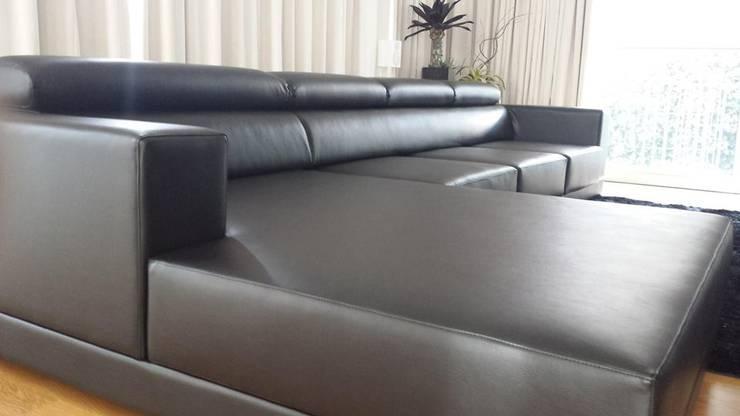 Afaiate do sofá: Sala de estar  por Alfaiate do Sofá