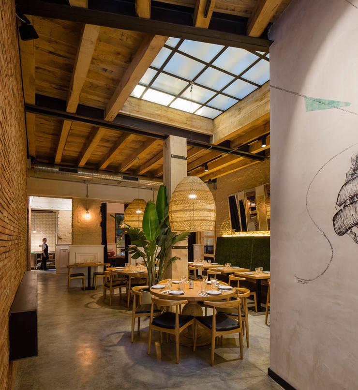 Torres y García: Comedores de estilo mediterráneo de Persevera Producciones