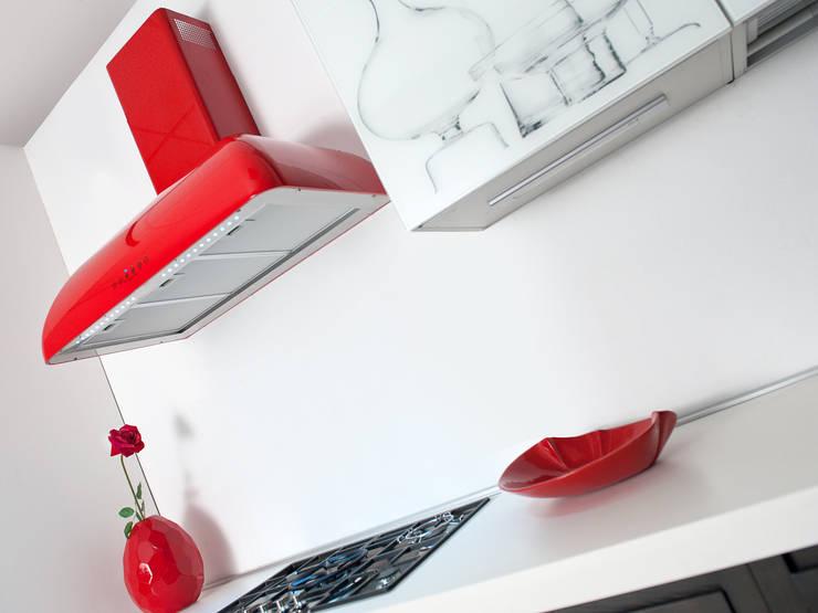 RP NEW STYLE : Cucina in stile in stile Moderno di Fabita