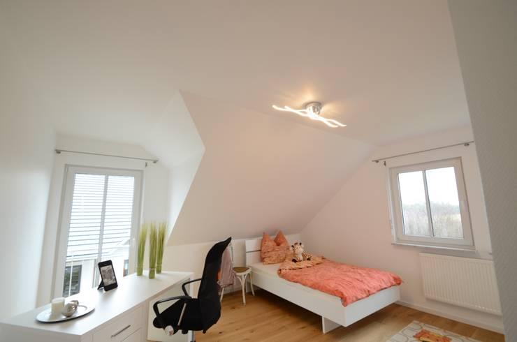 Projekty,  Sypialnia zaprojektowane przez Licht-Design Skapetze GmbH & Co. KG