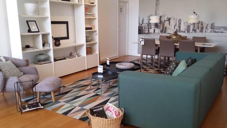 Estante Meda: Sala de estar  por BoConcept Lisboa