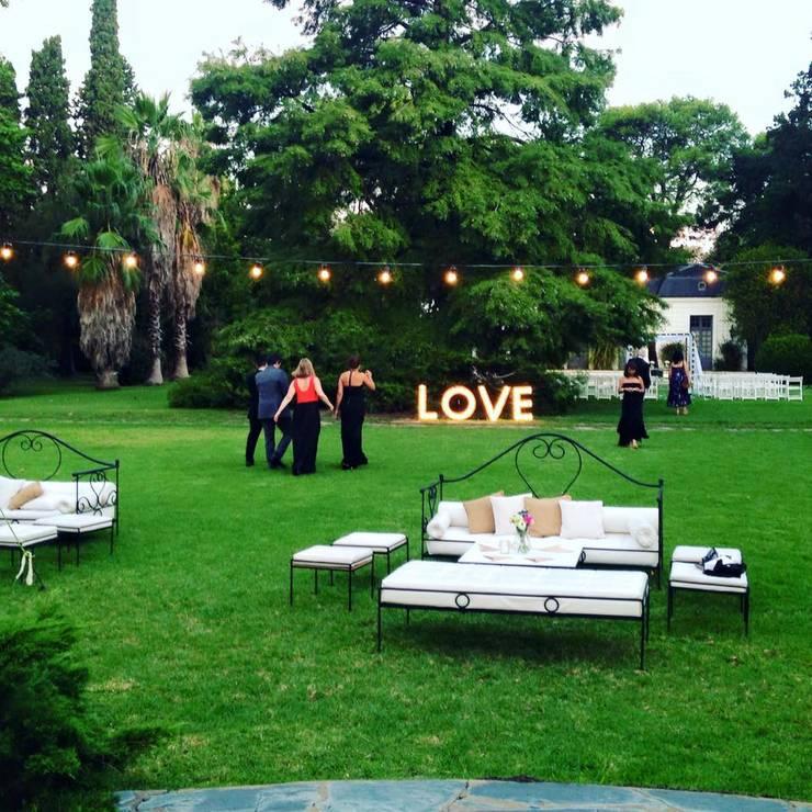 Letreros XXL: Jardines de estilo  por Algo de Mi