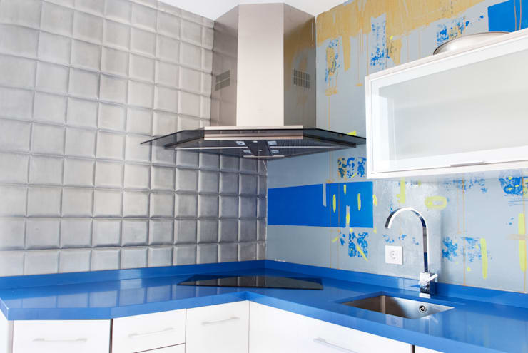 modern Kitchen by MODULAR HOME