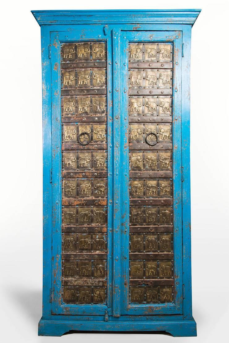 Azul eléctrico:  de estilo  por SARRIA HOME, Asiático Madera maciza Multicolor