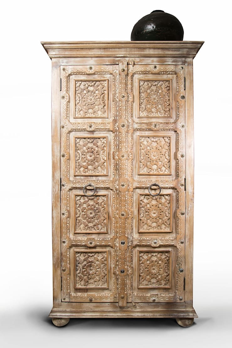 Talla en puertas ancestrales¡:  de estilo  por SARRIA HOME, Asiático Madera maciza Multicolor
