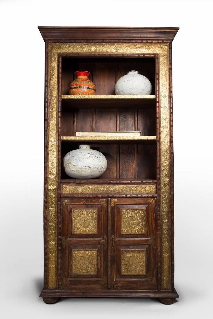 Artesanía Ancestral:  de estilo  por SARRIA HOME, Asiático Madera maciza Multicolor