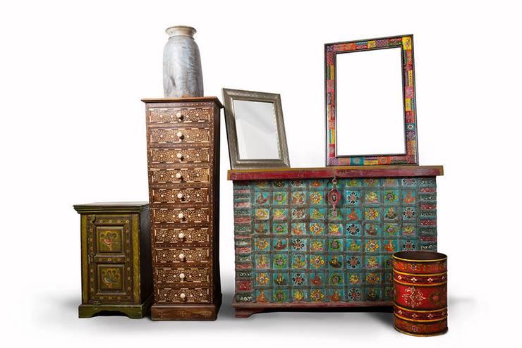 Hindu contemporáneo: Hogar de estilo  por SARRIA HOME
