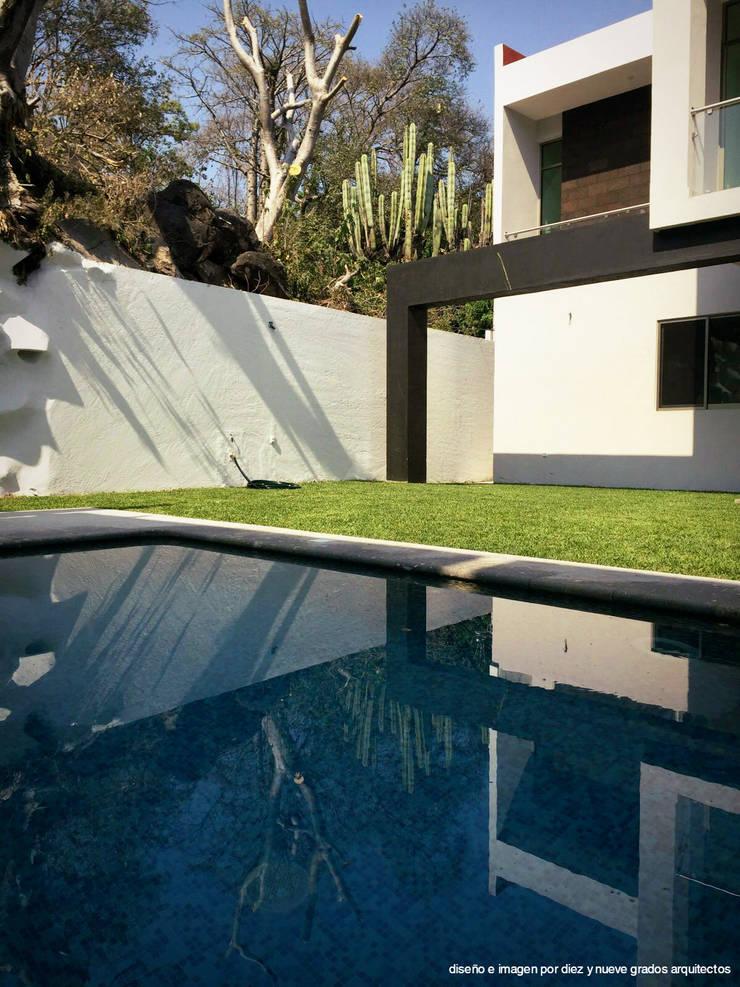 Jardín: Albercas de estilo  por Diez y Nueve Grados Arquitectos
