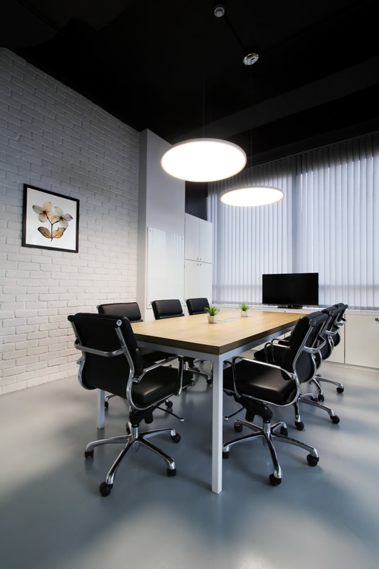 Commercial—Mulund:  Commercial Spaces by Nitido Interior design,Industrial Wood Wood effect