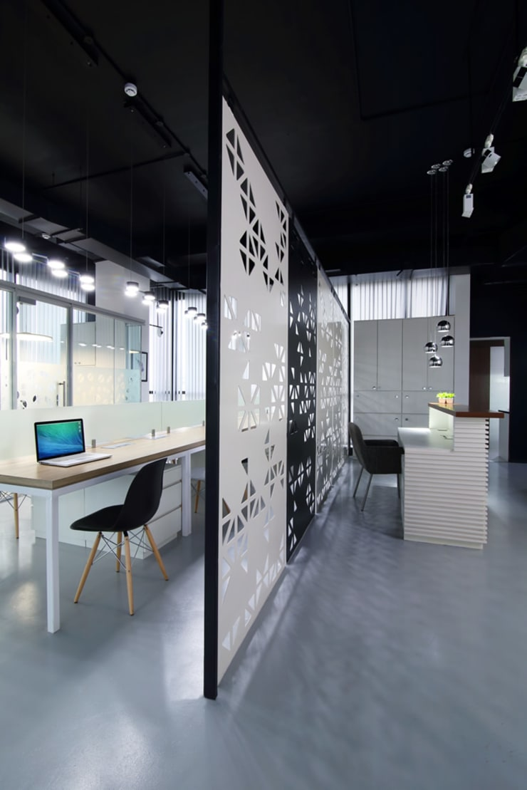 Commercial—Mulund:  Commercial Spaces by Nitido Interior design,Industrial Metal