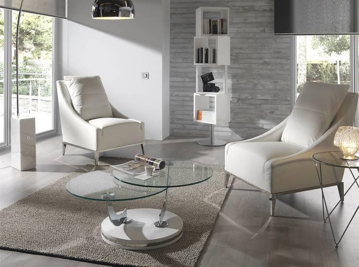 Mesas de centro Coffee Tables www.intense-mobiliario.com  Antúrio http://intense-mobiliario.com/product.php?id_product=8865: Sala de estar  por Intense mobiliário e interiores;