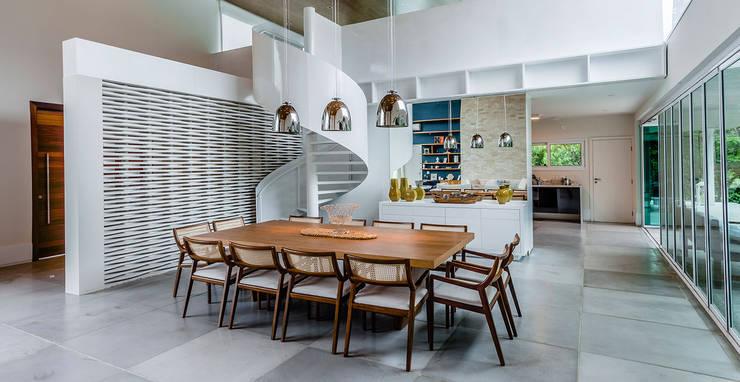 Comedores de estilo  por Radô Arquitetura e Design