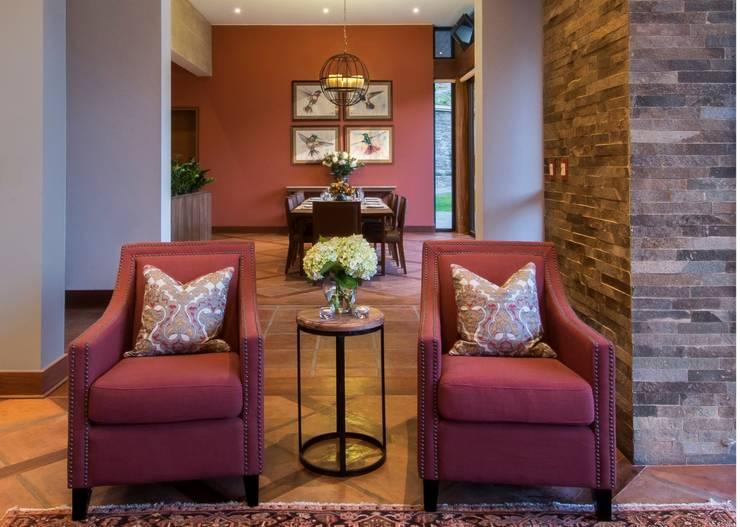 El centro de la casa: Salas de estilo  por DLPS Arquitectos